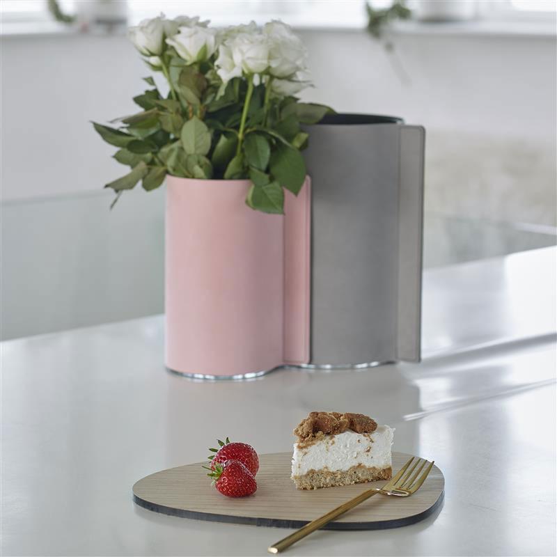 LIND DNA Стеклянная ваза для цветов обшитая кожей (9816)